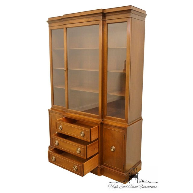 Wood Late 20th Century Vintage Rway Mahogany Block Front Duncan Phyfe China Cabinet For Sale - Image 7 of 13