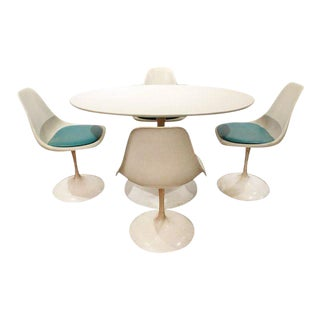 Mid-Century Modern Eero Saarinen-Style Tulip Dining Set 4 Chairs & Table For Sale