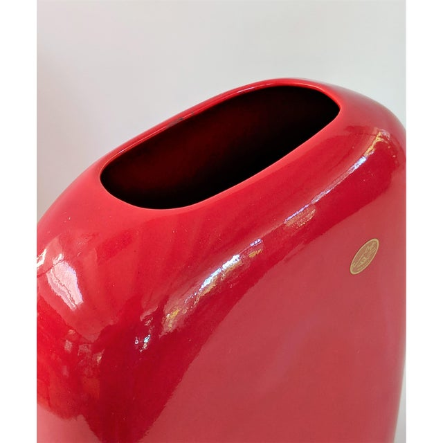 Large Mid-Century Modern Fire Engine Red Ceramic Vase For Sale In Miami - Image 6 of 12