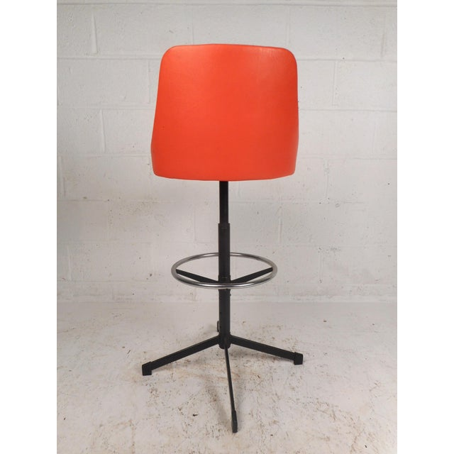 1970s Set of Four Mid-Century Modern Swivel Bar Stools For Sale - Image 5 of 13