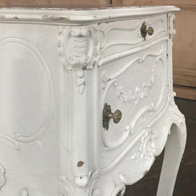 19th Century French Louis XV Painted Nightstand For Sale In Dallas - Image 6 of 13