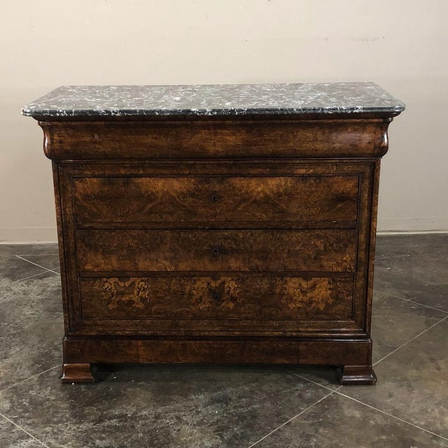 Louis Philippe 19th Century Louis Philippe Burl Walnut Marble Top Commode For Sale - Image 4 of 11