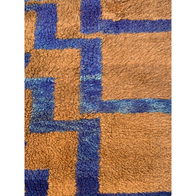 Long Hair Turkish Brown & Blue Geometric Step Pattern Rug- 4′3″ × 6′9″ For Sale - Image 4 of 9