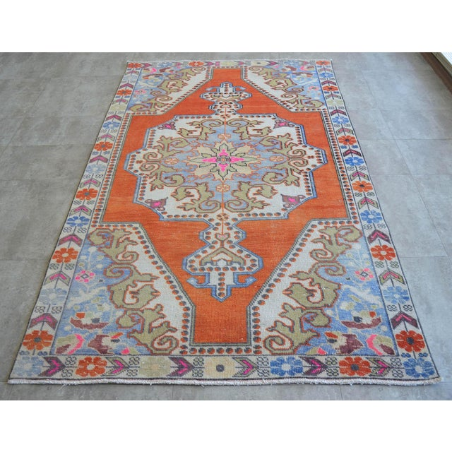 Distressed Area Rug Hand Knotted Colorful Oushak Medallion Rug - 4'4'' X 7'3'' For Sale - Image 10 of 12