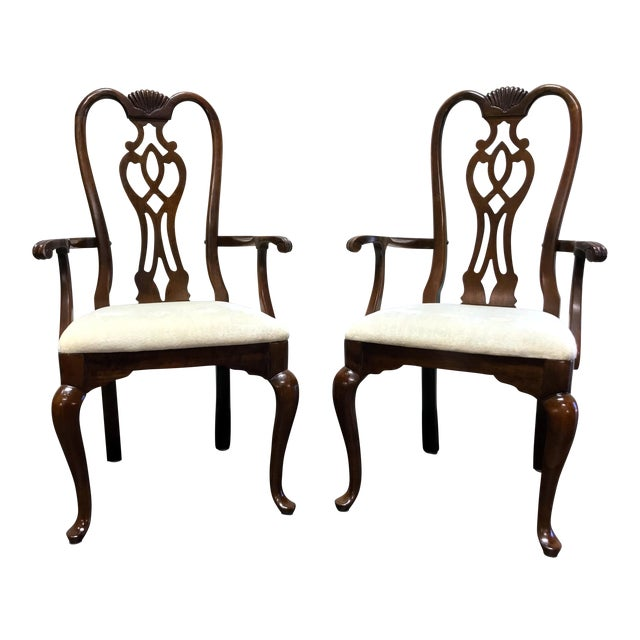 Thomasville Cherry Queen Anne Style Dining Captain's Arm Chairs - Pair For Sale