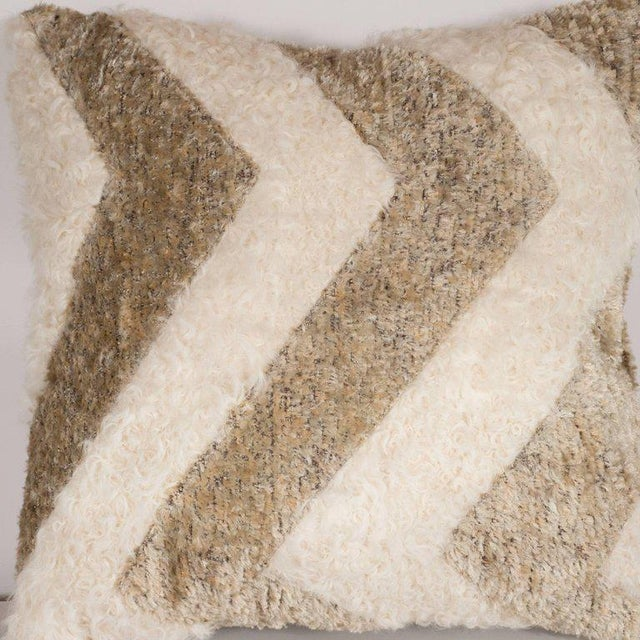 Custom Designed Chevron Pillow in Champagne and White Mongolian Lambswool For Sale In New York - Image 6 of 10