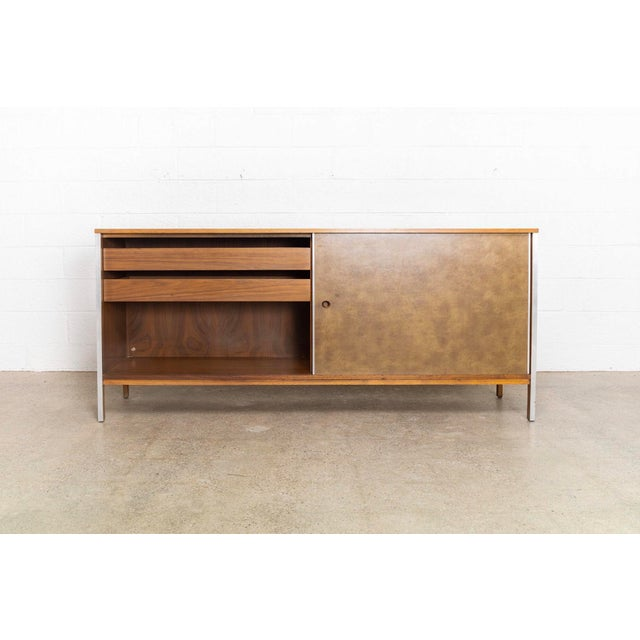 Mid-Century Modern Mid Century Paul McCobb Linear Group for Calvin Credenza For Sale - Image 3 of 11