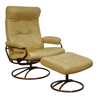 Beige Leather Ekornes Lounge Chair and Ottoman For Sale
