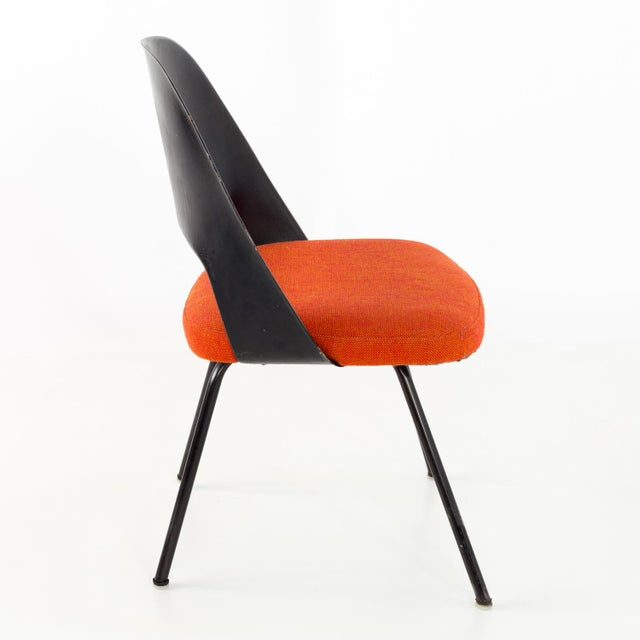 Mid-Century Modern Vintage Early Saarinen for Knoll Plastic Back Armless Executive Side Desk Chair For Sale - Image 3 of 8