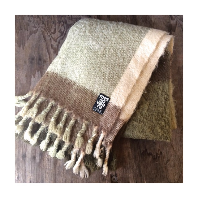 This is a very handsome mohair blanket. I was pretty excited when I found it, this is my first Metsovaara blanket in 7...