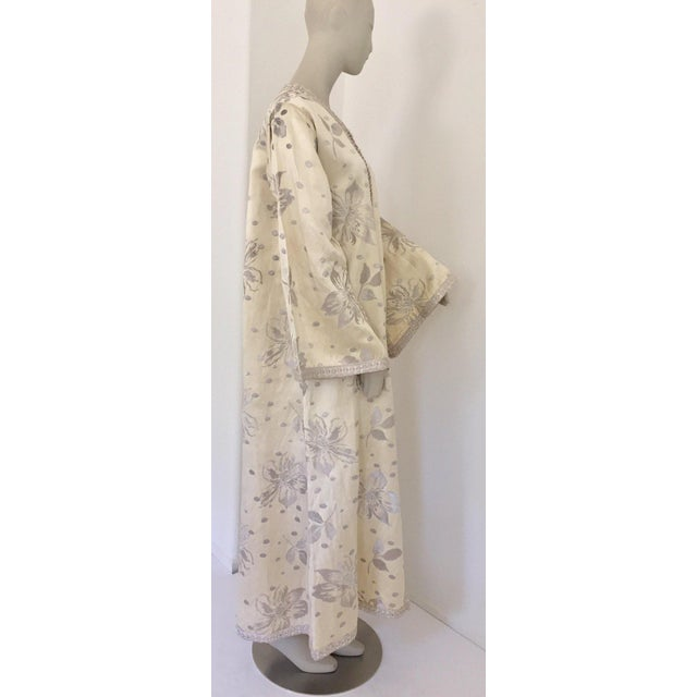 Elegant Moroccan Caftan With Silver Metallic Floral Silk Brocade For Sale - Image 9 of 13