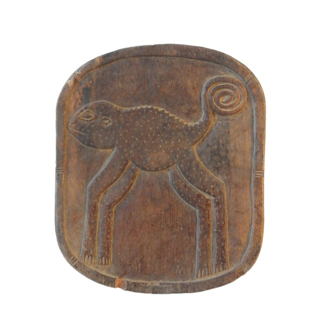 African Low Milk Senufo Stool W/Chameleon For Sale - Image 3 of 7