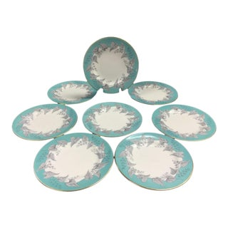 "Wedgwood ""Buxton"" Gold Trim Turquoise and Gray Leaf Banded Bone China Dinner Plates - Set of 8 For Sale"