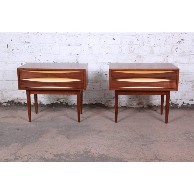 Mid-Century Modern Walnut Nightstands by West Michigan Furniture Co. - a Pair For Sale - Image 11 of 11