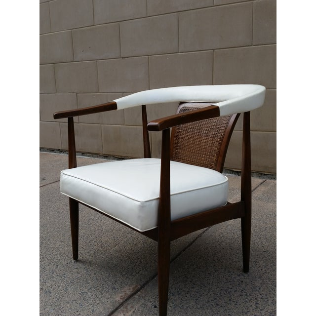 Asian American of Martinsville Mid-Century Ming Arm Chair For Sale - Image 3 of 10