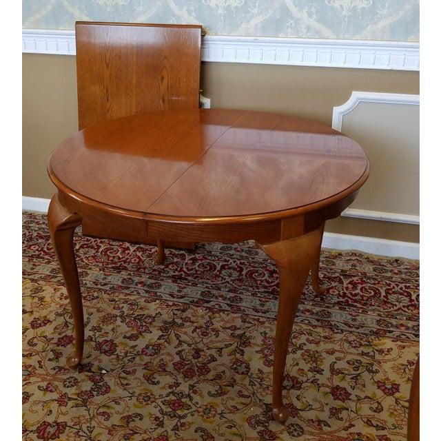 Brown 1990s Carleton Oak Drexel Heritage Queen Anne Round Dining Room Set For Sale - Image 8 of 11