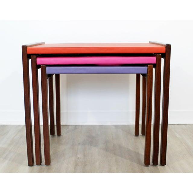 Mid-Century Modern Mid Century Modern Walnut Vinyl Nesting Side Tables Jens Risom Pink - Set of 3 For Sale - Image 3 of 9