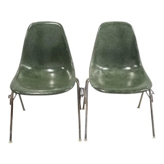 1970s Vintage Herman Miller Stacking/Interlocking Fiberglass Side Chairs- A Pair For Sale