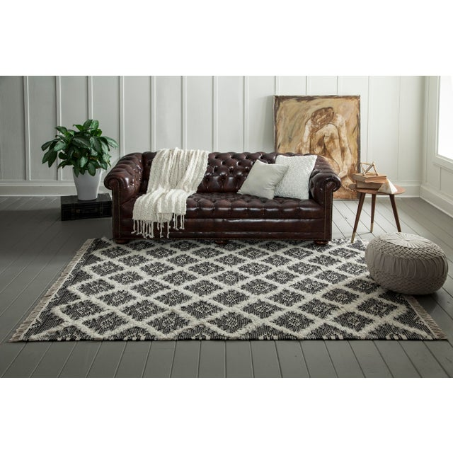 """Textile Harper Black Hand Woven Area Rug 7'6"""" X 9'6"""" For Sale - Image 7 of 8"""