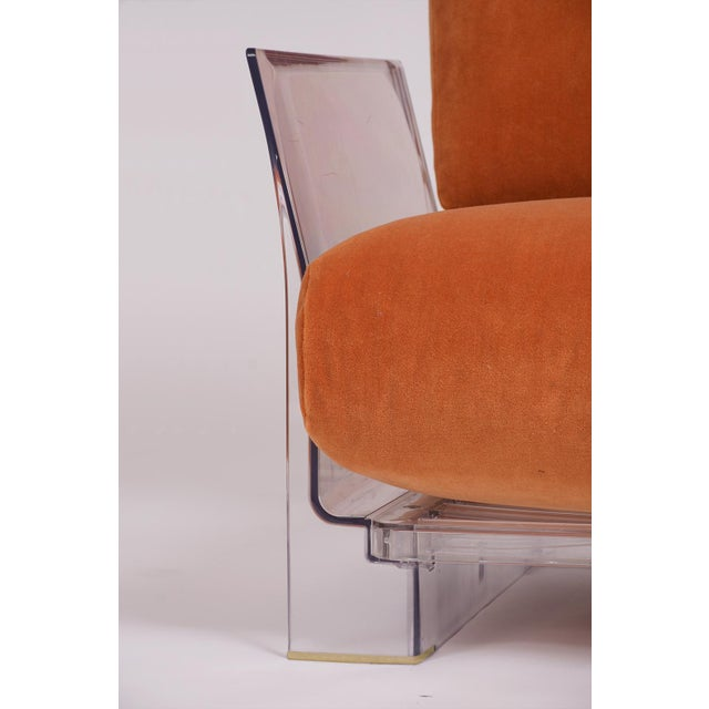 Pair of Lucite Love Seats/ Sofas by Piero Lissoni for Kartell For Sale In Los Angeles - Image 6 of 13
