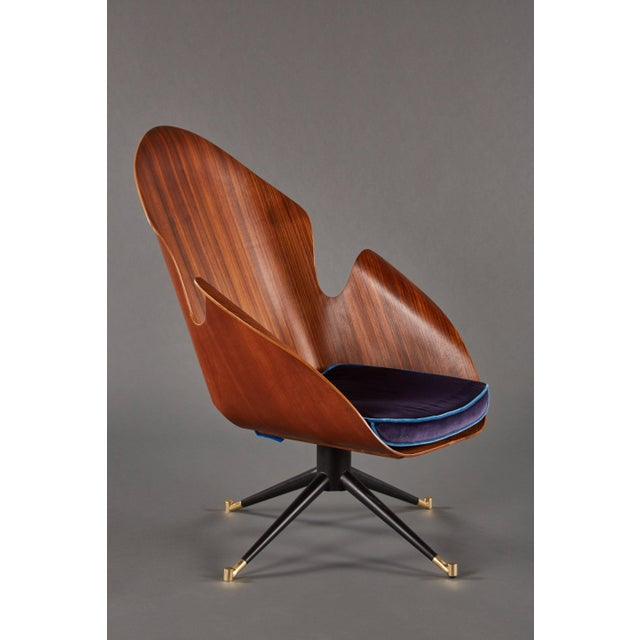 Italian Rare and Sculptural Pair of Mid-Century Italian Swivel Chairs For Sale - Image 3 of 11