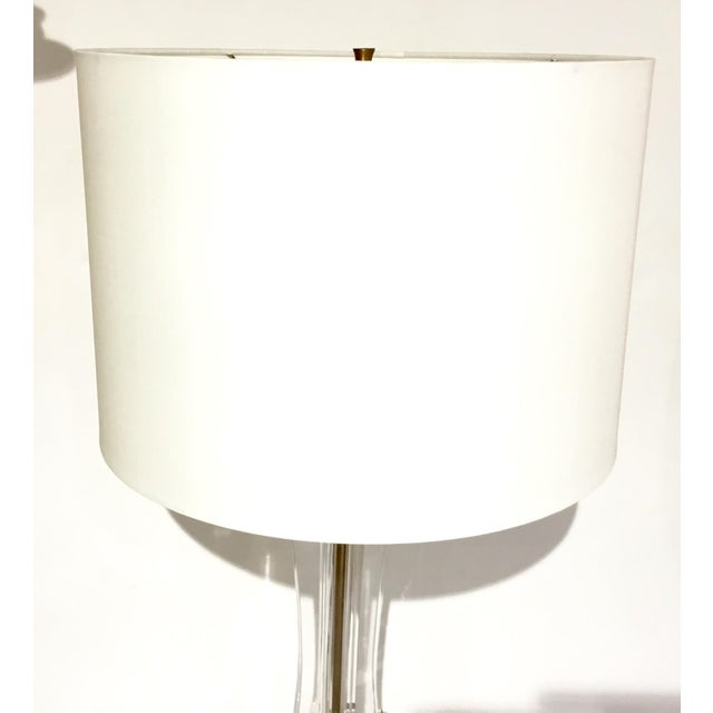 Contemporary Currey & Co. Modern Optic Crystal Table Lamp For Sale - Image 3 of 6