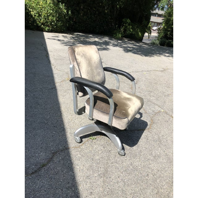 Industrial 1950s Vintage Emeco Swivel Chair For Sale - Image 3 of 7
