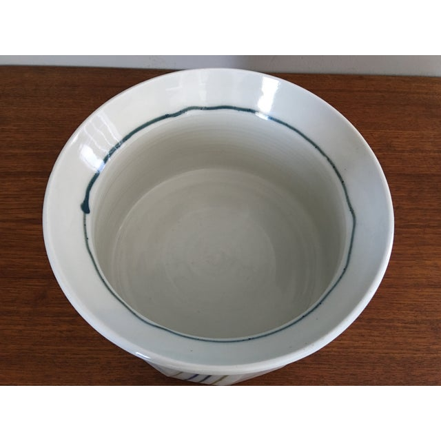 Mid-Century Modern Vintage White Studio Pottery Bowl For Sale - Image 3 of 4