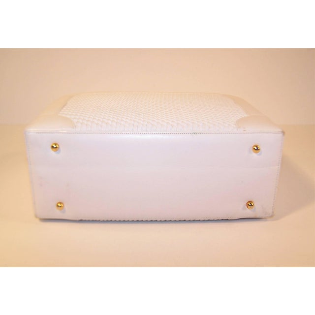 1990s C.1990 Judith Leiber White Leather Box Handbag With Convertible Handles For Sale - Image 5 of 11