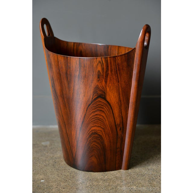 Rosewood wastebasket by Einar Barnes for P.S. Heggen, circa 1965. Restored to perfect condition with beautiful grain....