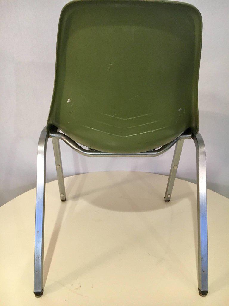 Set Of Five Mid Century Modern Howell Chicago Eames Fiberglass Chairs    Image 4 Of
