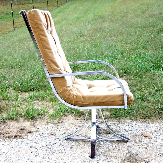 This is a beautiful mid-century modern, chrome scoop chair with an elegant Hollywood Regency style! This gorgeous armchair...