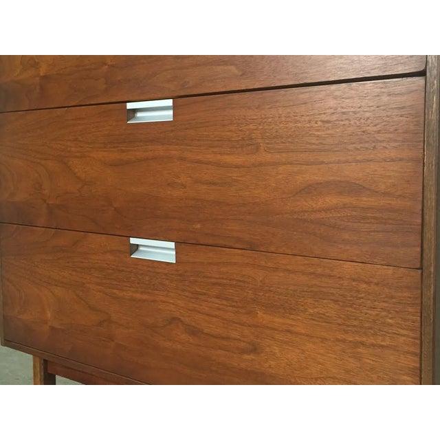 Walnut Mid-Century Modern 4-Drawer Dresser - Image 3 of 8