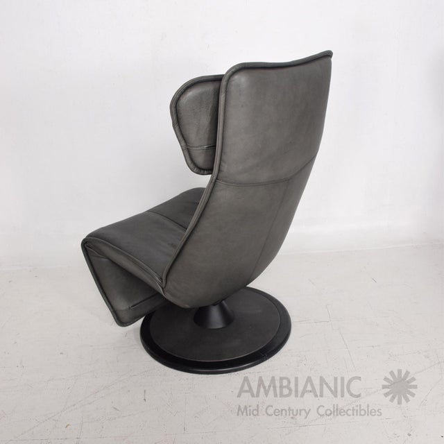 Pair of Contura Zero Gravity Recliner Chair by Modi, Hjellegjerde For Sale In San Diego - Image 6 of 10