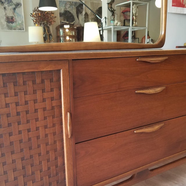 Mid-Century Modern 1960s Lane Perception Nine Drawer Dresser With Mirror For Sale - Image 3 of 13
