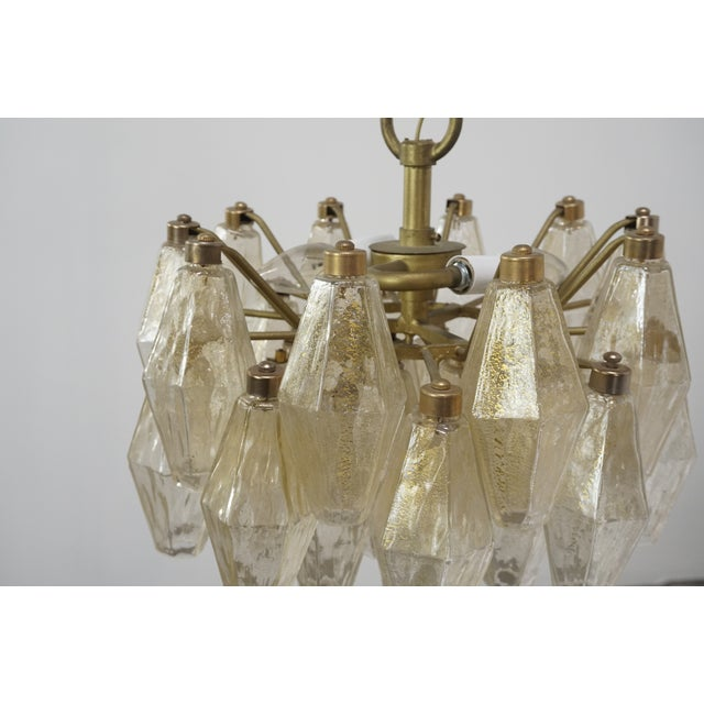 Hollywood Regency Gold Flecked Glass Polyhedral Chandelier by Carlo Scarpa for Venini For Sale - Image 3 of 8