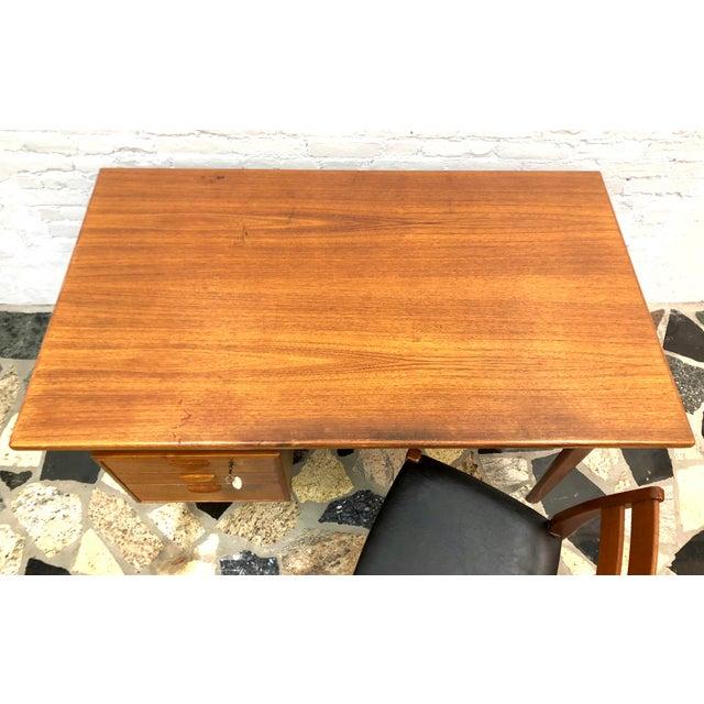 "Mid-Century Danish Modern Sibast ""Floating"" Teak Desk & Chair For Sale - Image 9 of 13"