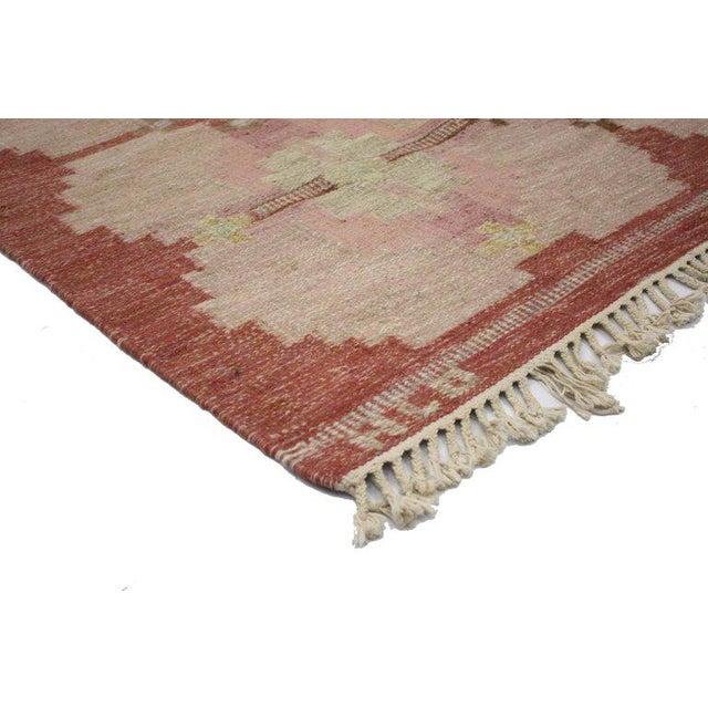 76645 Scandinavian Modern Rollakan by HLO, Swedish flat-weave Kilim rug. Classic and colorful, this Scandinavian Modern...
