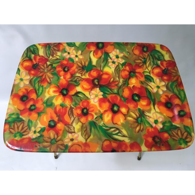 Hollywood Regency Vintage Mid-Century Fiberglass Floral TV Trays - A Pair For Sale - Image 3 of 6