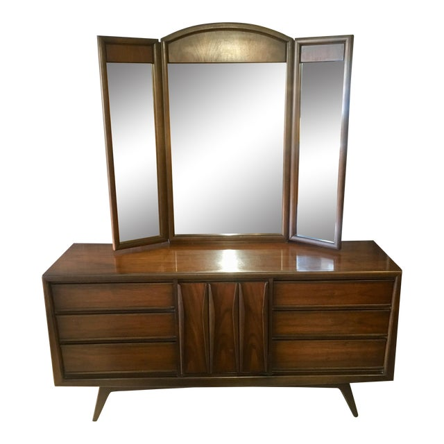 1960s Mid-Century Modern United Furniture Lowboy Dresser With Trifold Mirror - 2 Pieces For Sale