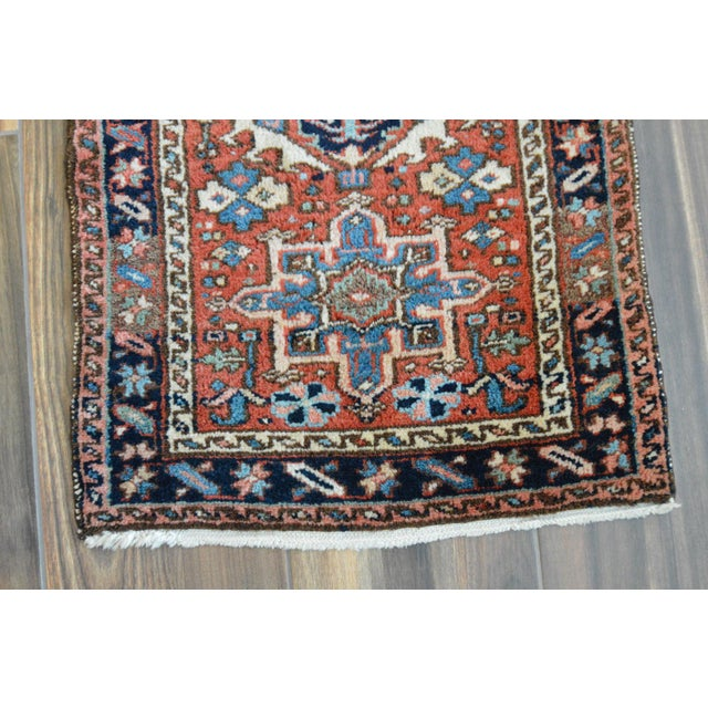 "Vintage Persian Heriz Rug - 2' x 2'8"" - Image 5 of 8"