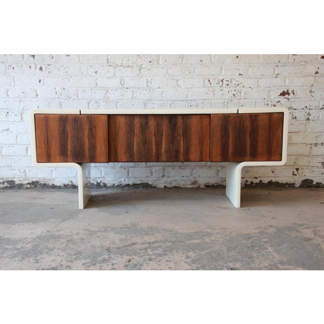 1970s Vintage William Sklaroff Mid-Century Modern Uniplane Credenza For Sale - Image 10 of 11