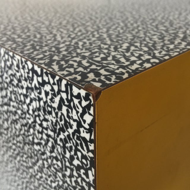 Yellow 1980s Memphis Ettore Sottsass for Anthologie Quartetto Cube Table For Sale - Image 8 of 12