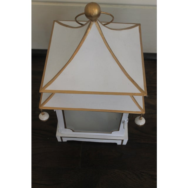 Cream and Gold Pagoda Shaped Lantern For Sale In New Orleans - Image 6 of 8