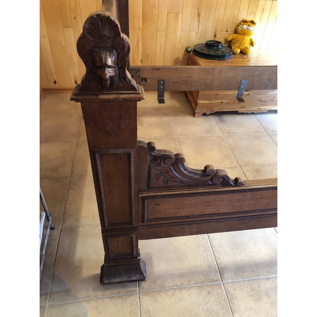Early 19th Century 1800s Antique French Medieval Knights Heads Carved Daybed For Sale - Image 5 of 11