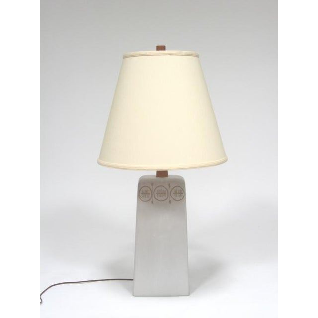Ceramic Table Lamp with sgraffito decoration by Gordon and Jane Martz For Sale - Image 7 of 10