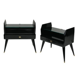 A Pair of Stylish Lacquered Night Stands For Sale