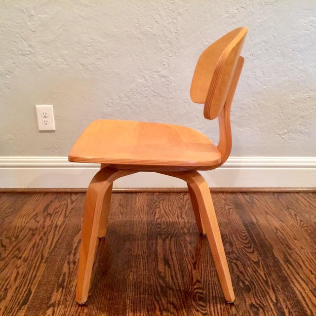 Vintage Thonet Mid Century Style Plywood Chairs- Set of 12 For Sale In Saint Louis - Image 6 of 8