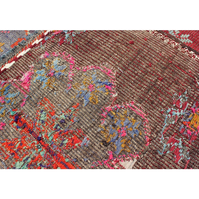 Keivan Woven Arts Vintage Turkish Embroidered Kilim Rug in Wine Red, Steel Blue, Pink For Sale In Atlanta - Image 6 of 7