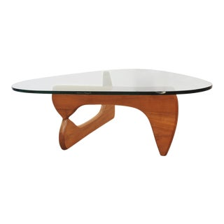 1960's Mid Century Modern Isamu Noguchi Designed for Herman Miller Coffee Table For Sale
